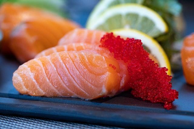 close-up-photo-of-sliced-salmon-1683545